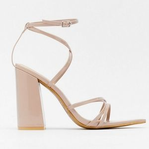 NUDE CHUNKY STAPPY HELL POINTED TOE SIZE 8